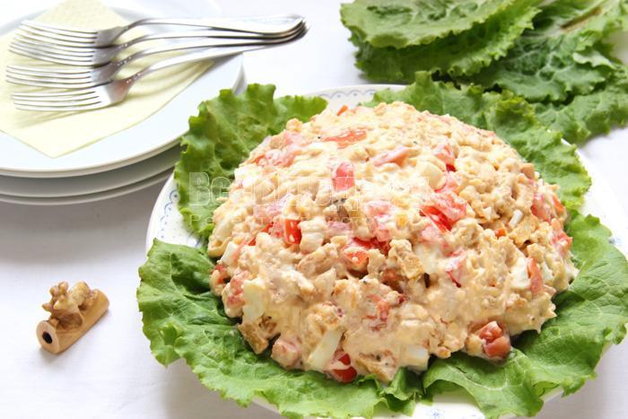 рецепт салата цезарь с курицей и сухарями