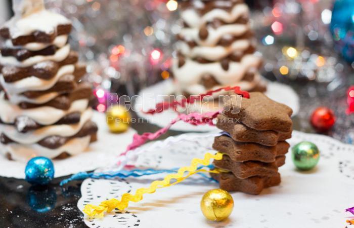выпекать печенье на елку в духовке