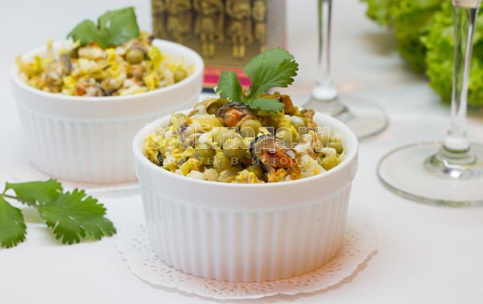рецепт салата с мидиями