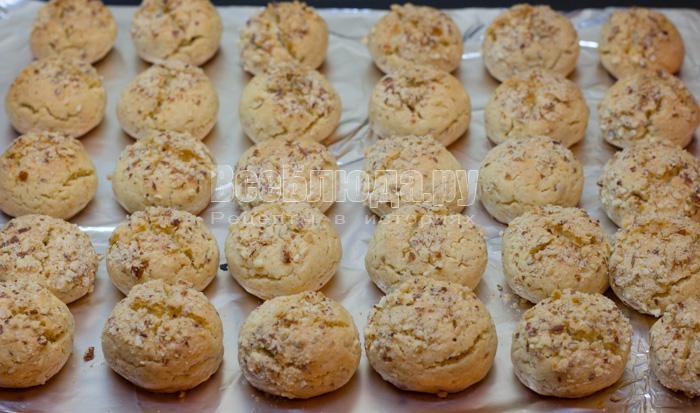 выпекать печенье в духовке