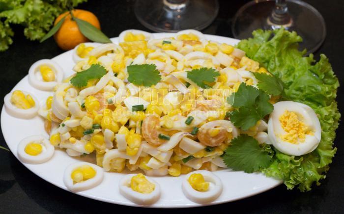 рецепт салата с кальмарами, яйцами, кукурузой, мандаринами