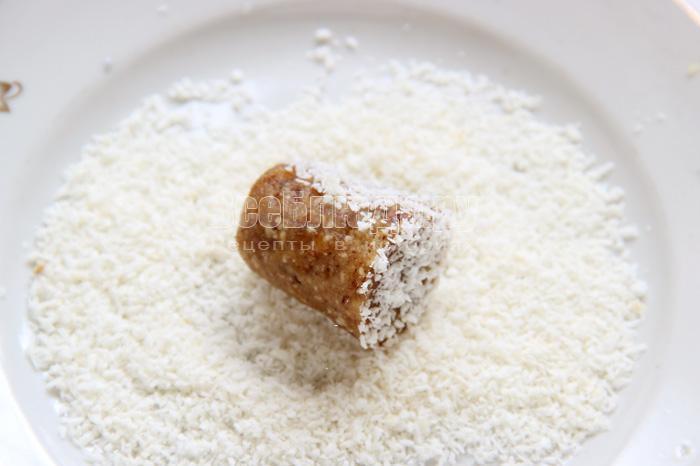 Как сделать конфеты своими руками (курага, грецкие орехи, имбирь, мед, лимон, коньяк, кокосовая стружка)