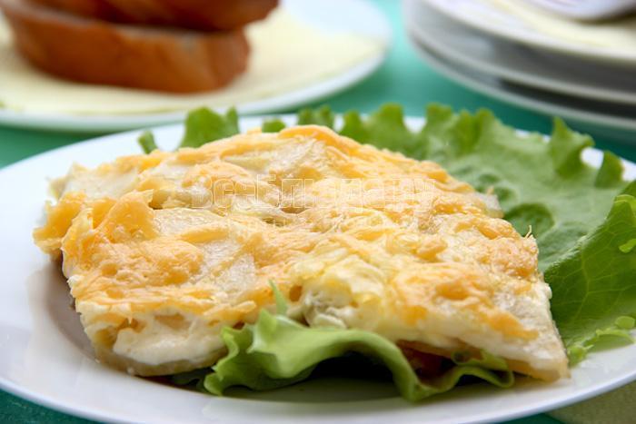 свинина по французскому рецепту с сыром и помидорами
