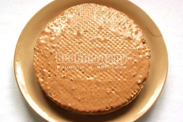 торт из вафельных коржей на скорую руку готов