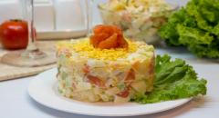Салат из соленой красной рыбы