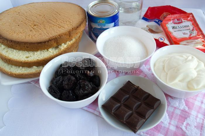 Бисквитный торт со сметанным желе и сгущенным молоком
