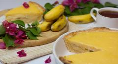 Пирог с заварным кремом и бананами