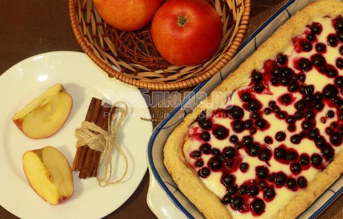 выпекать пирог со смородиной