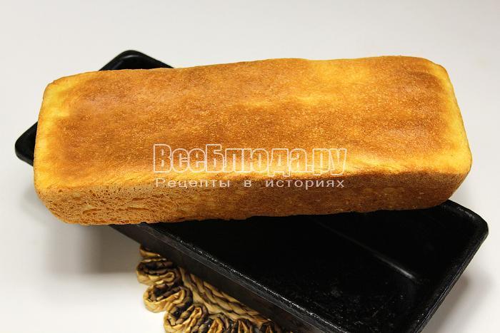 Готовый горячий хлеб