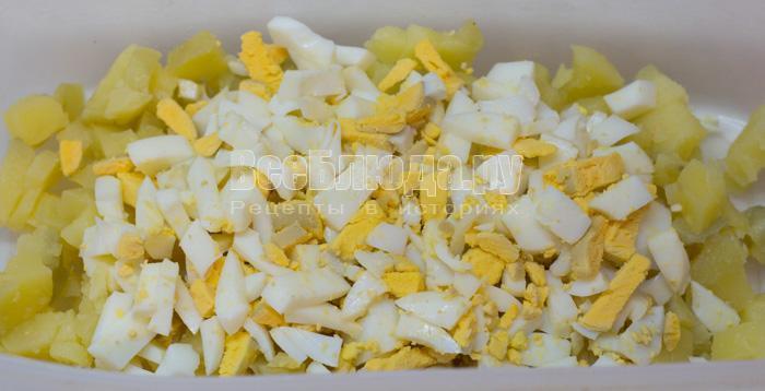 порезать яйца
