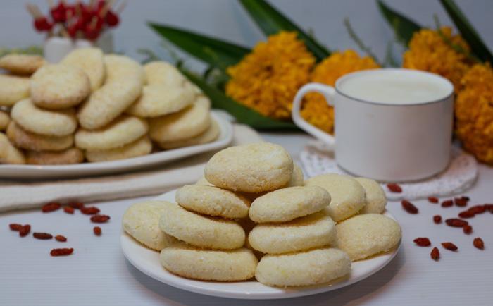 Кукурузное печенье на сметане