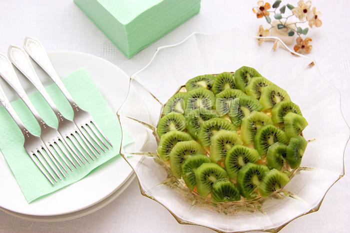 чешуйчатый салат с киви