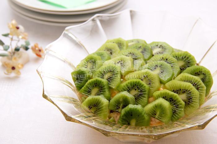 рецепт праздничного салата с киви