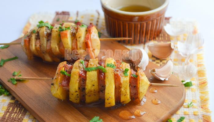 курица с картошкой на шпажках в духовке