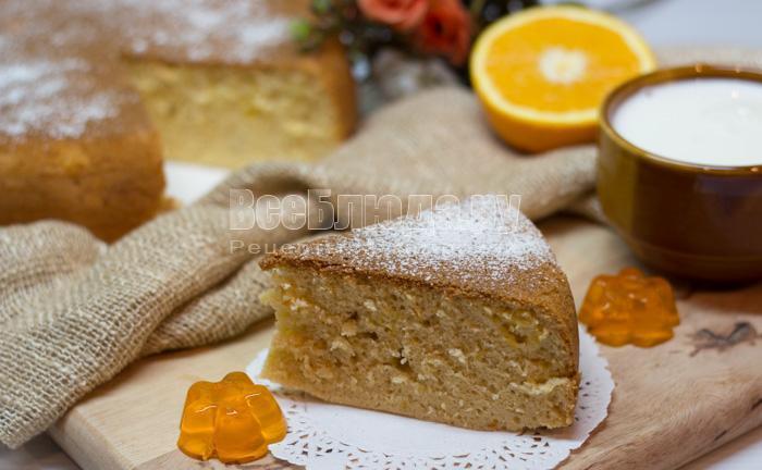 готовый пирог с апельсинами