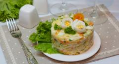 Салат из соленой семги (картошка, яйца, огурцы, морковка)