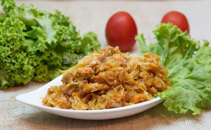 как потушить капусту с рисом и фаршем