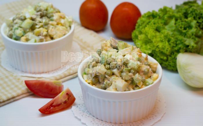 как приготовить салат из тунца, яиц и огурцов