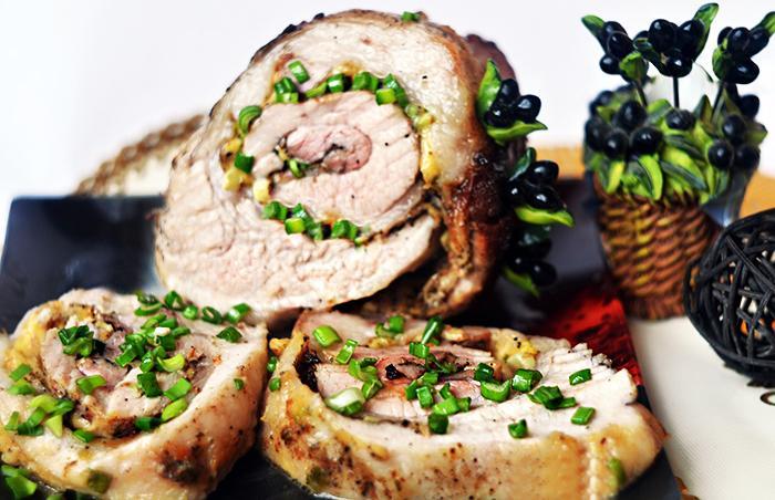 Свиной рулет с сыром и зеленью