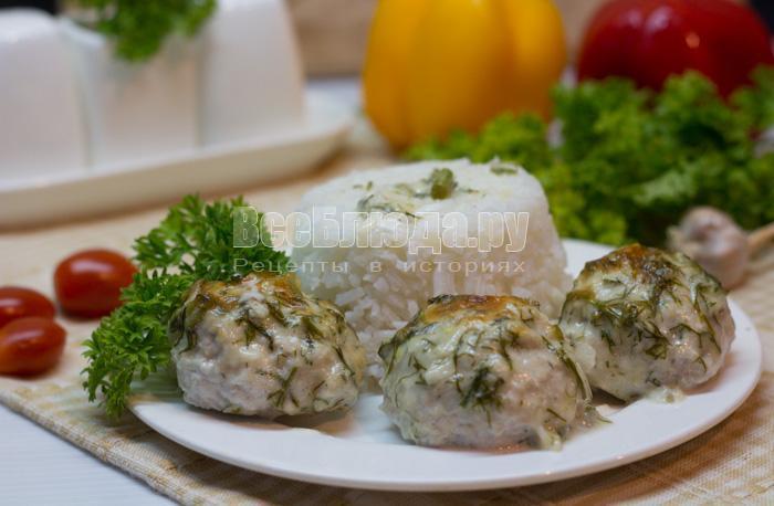 рецепт куриных шариков в сырно-сливочном соусе