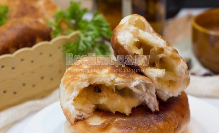 Жареные пирожки с картошкой и луком