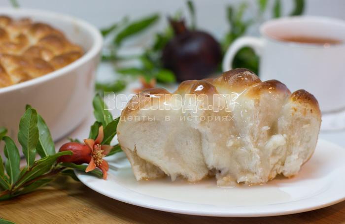 дрожжевой пирог с кокосом