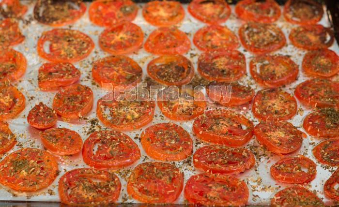 запекать помидоры в духовке