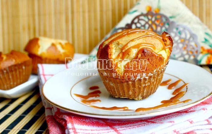 Бисквитное пирожное с кремообразной начинкой