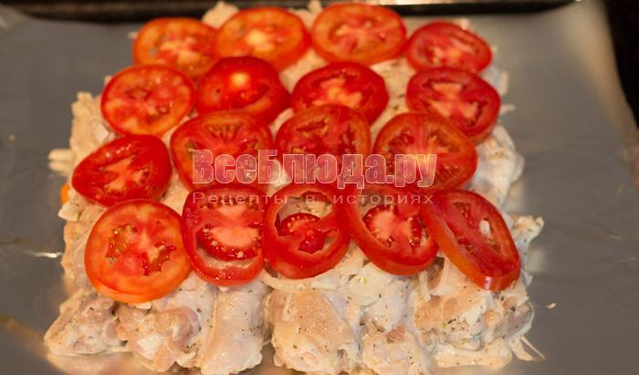 порезала помидоры кружочками