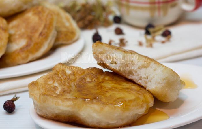 как приготовить дрожжевые оладьи, рецепт с пошаговыми фото