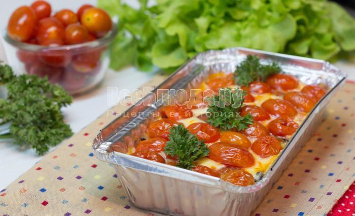 вкусные запеченные баклажаны с сыром и черри