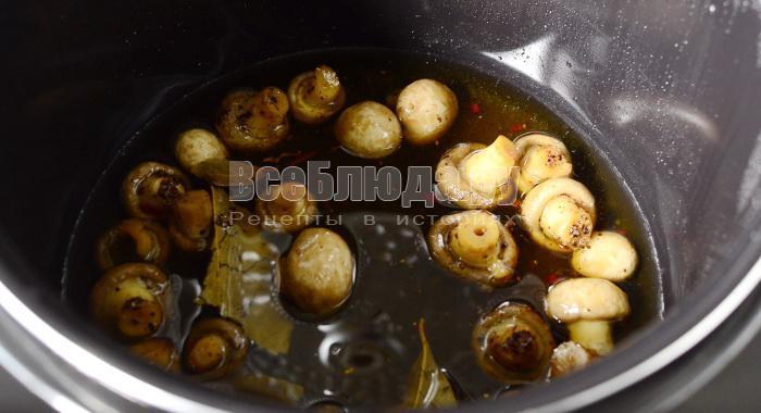 протушить грибы в масле