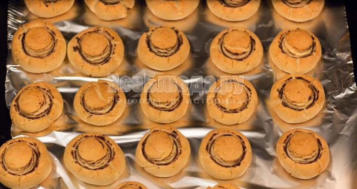 выпекать печенье шампиньоны в духовке