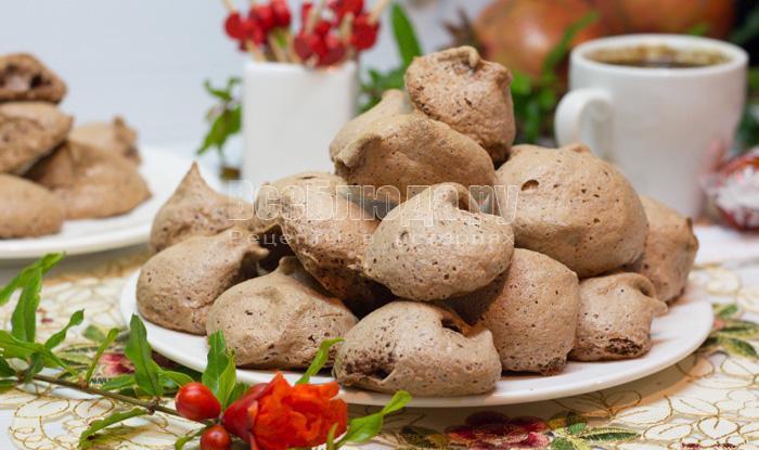 печенье из взбитых белков с какао