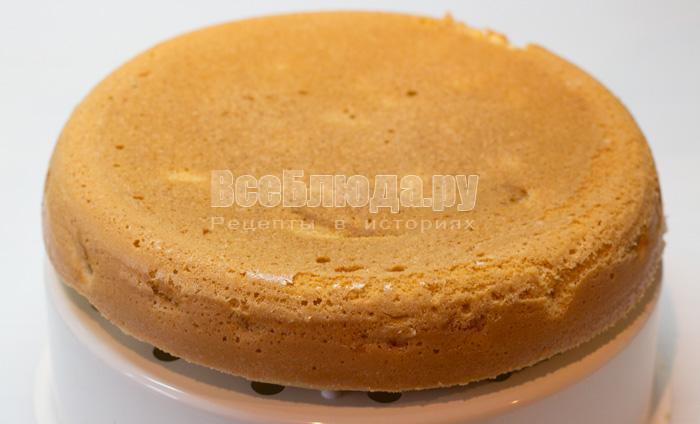 готовый яблочный пирог из мультиварки