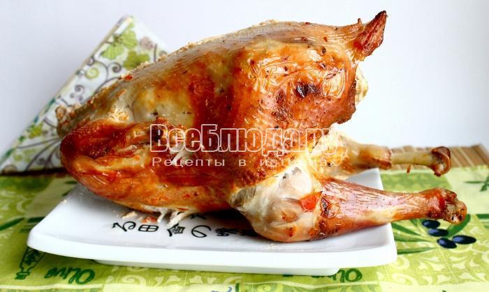 готовый запеченный цыпленок
