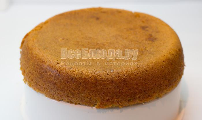 испечь морковный пирог