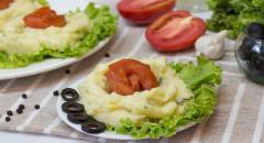 Картошка-пюре с соленой семгой