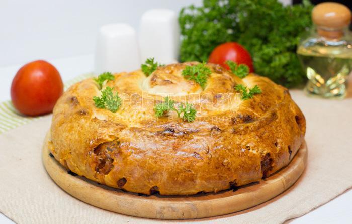 готовый капустный пирог