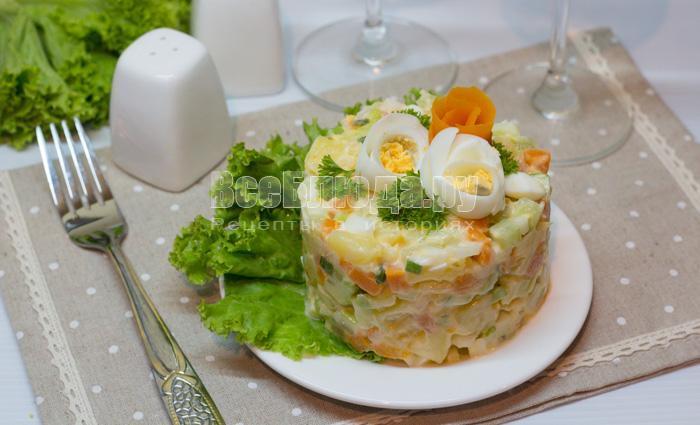 рецепт салата из соленой красной рыбы, семги
