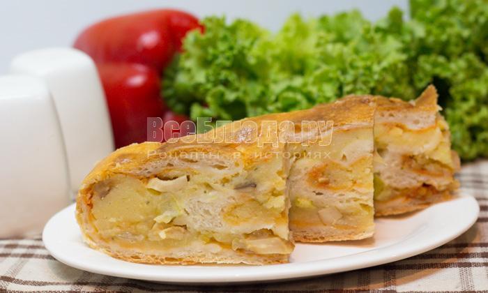 Рулет с картошкой и грибами из дрожжевого теста