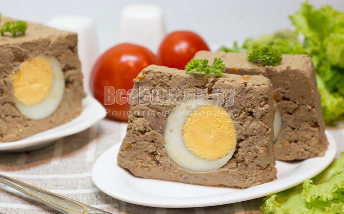 паштет из куриной печени с отварными яйцами