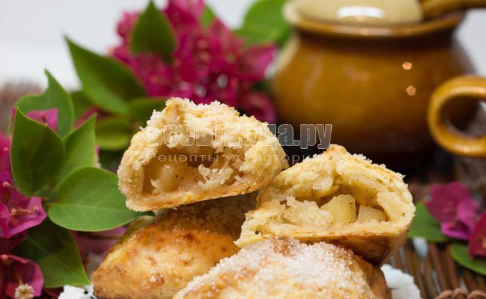 яблочные пирожки из теста с сыром