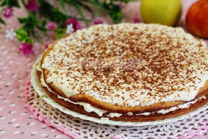 готовый торт с яблочно творожным кремом