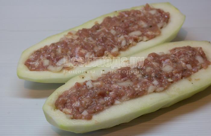 Рецепт фаршированных кабачков с фаршем в духовке с сыром