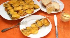 Запеченный хек с картошкой в духовке