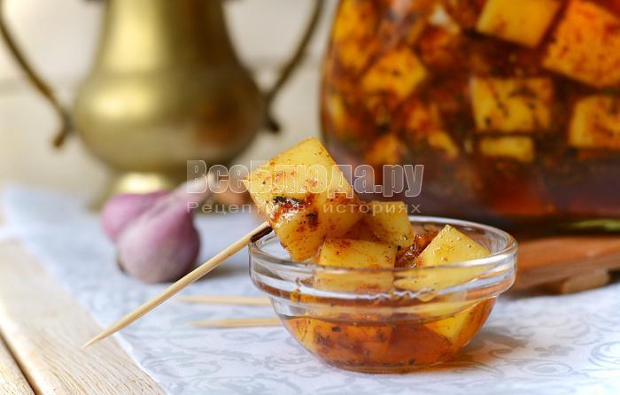 рецепт маринованного сыра с чесноком