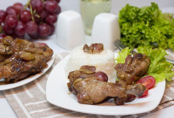готовая утка с виноградом