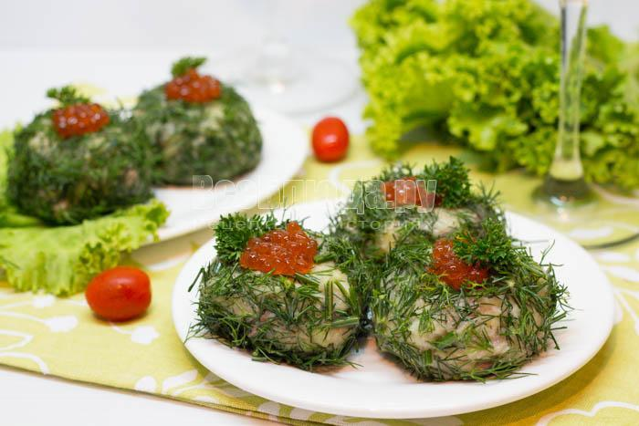 Изумрудные шарики - салат закуска с селедкой, картошкой, сыром, яблоком