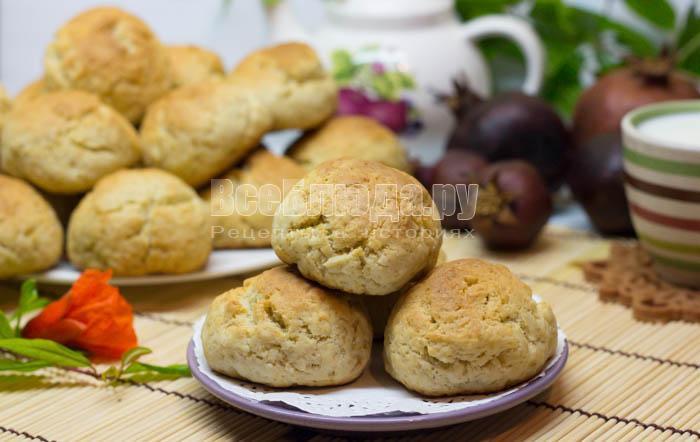 Простое печенье на сметане (без масла)